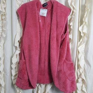 NWT Zenana Outfitters pink fluffy sherpa vest hood